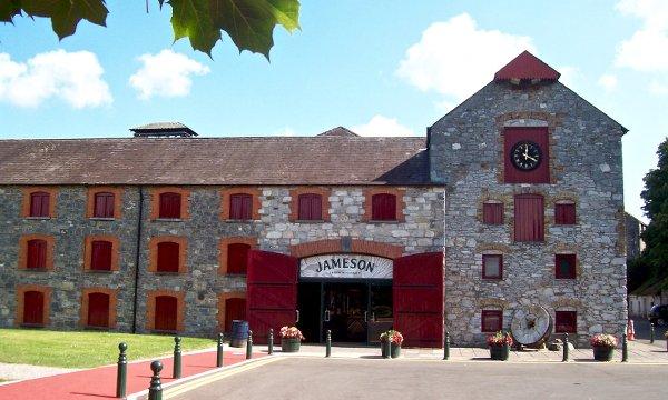 Jameson Irish Whiskey Distillery In Midleton Ireland ...