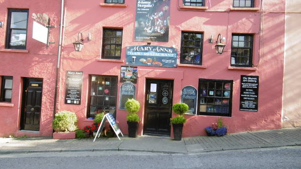 Mary Anns Pub and Restaurant Castletownshend