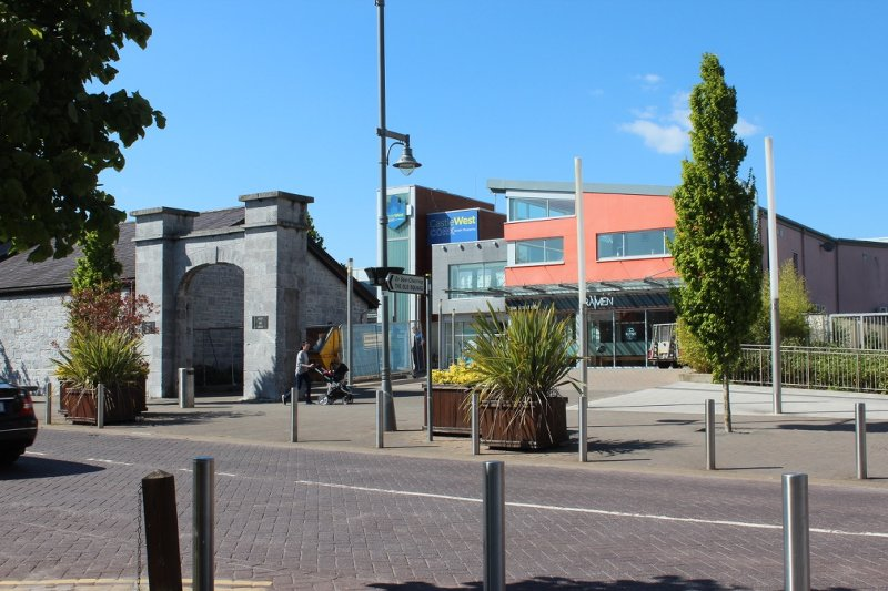The best available hotels & places to stay near Ballincollig